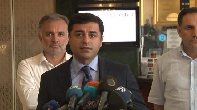Demirtaş: Türkiye IŞİD'e destek yaftasından kurtulamadı