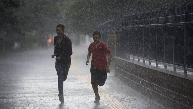 İstanbul'da kavurucu sıcağa yağmur molası