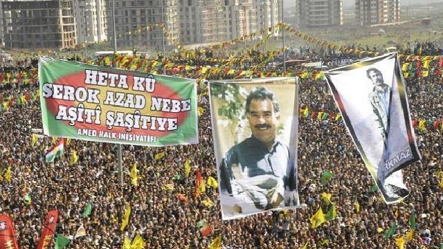 Diyarbakır'da Öcalan yürüyüşüne polis müdahalesi