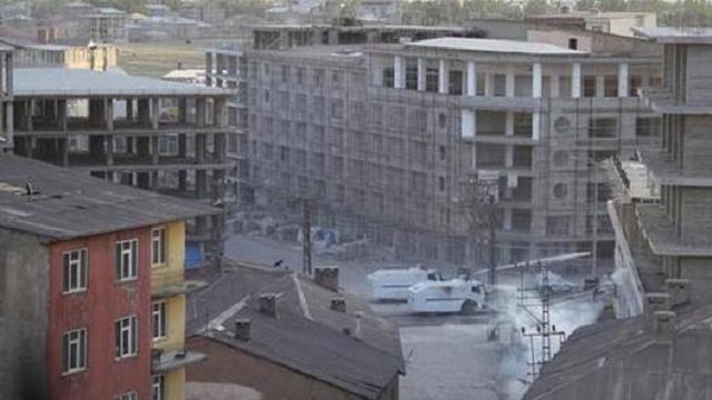 Yüksekova'da Emniyet Müdürlüğü'ne roketli saldırı