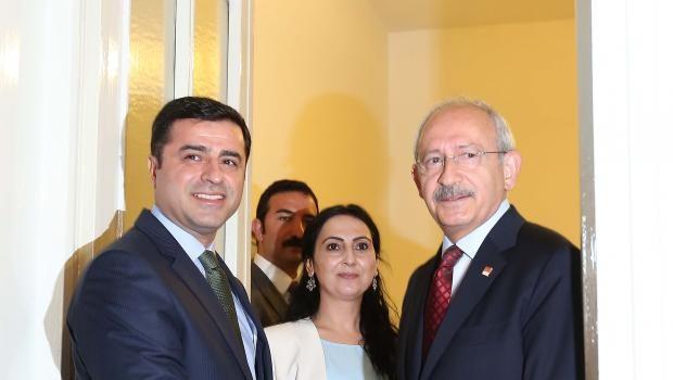 Kılıçdaroğlu Demirtaş'ı kapıda karşıladı
