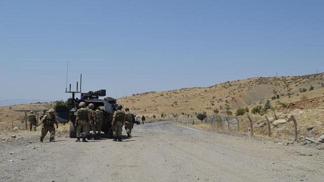 F-16'lar PKK hedeflerini bombaladı