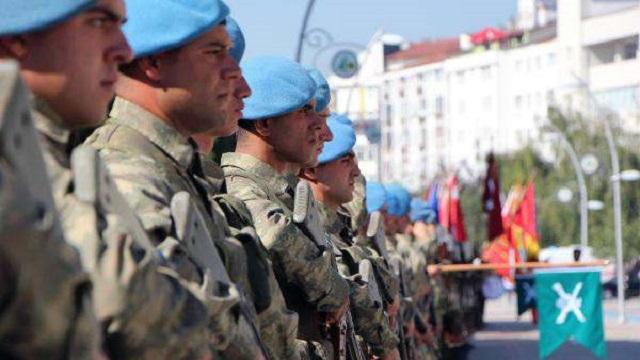 Mavi bereliler törende böyle slogan attı!