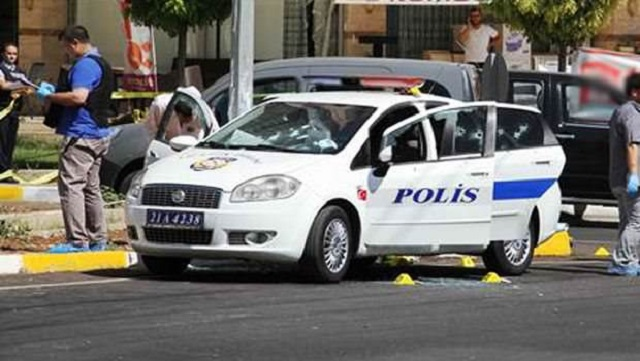 Diyarbakır'da polise saldırı: 2 şehit