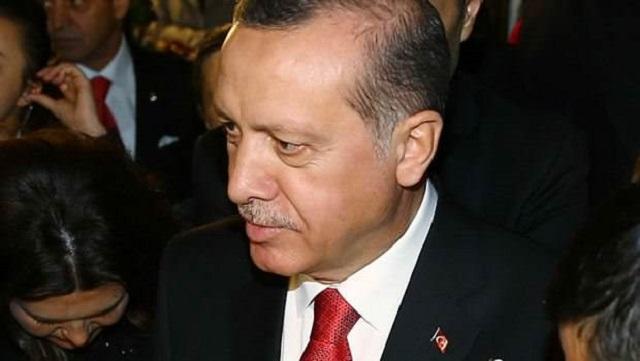 Erdoğan'dan Mahmut Tanal'a: Bir tane manyağı bulmuşlar...
