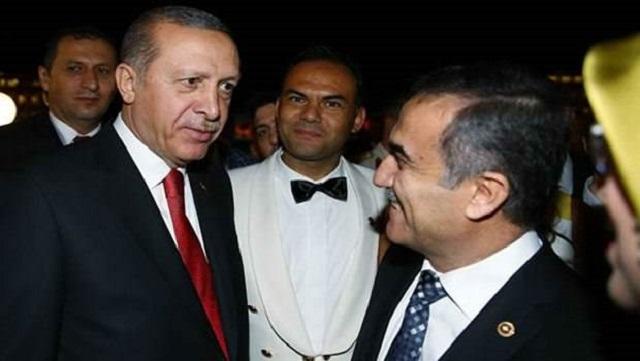 İhsan Özkes'ten ilginç 30 Ağustos resepsiyonu tweetleri