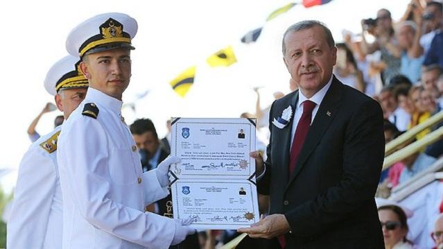 Deniz Harp Okulu'nda diploma heyecanı
