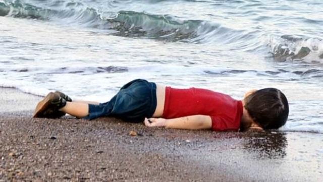 Avrupa gazeteleri kıyıya vuran bebeği nasıl gördü?