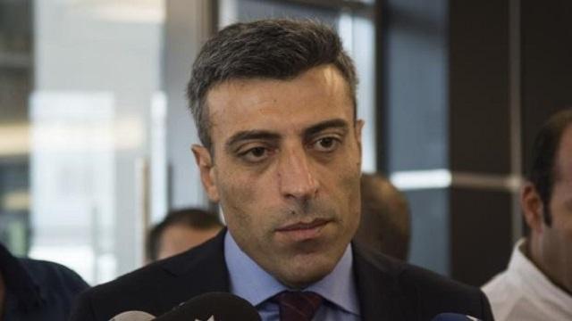 Davutoğlu öptü, Kılıçdaroğlu kaptı