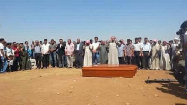 Minik Aylan ve ailesi Kobani'de toprağa verildi