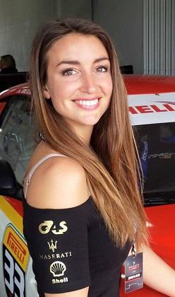 Hızlı ve güzel Angélique Detavernier