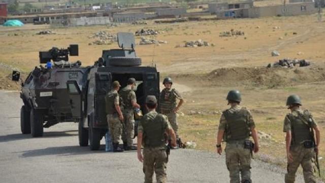 PKK Şemdinli Emniyet Müdürlüğü'ne saldırdı