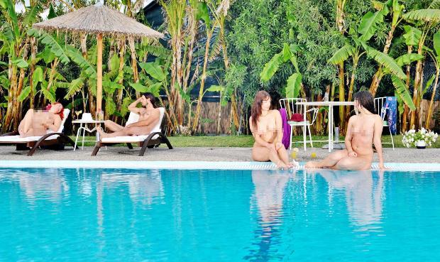 Rodos'taki çıplaklar oteline Türkler'den büyük ilgi