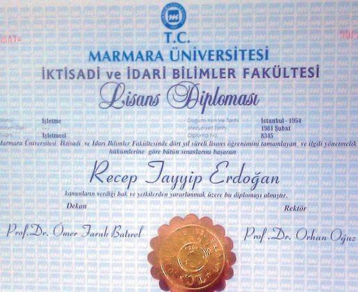 Nagehan Alçı Erdoğan'ın diplomasını paylaştı…